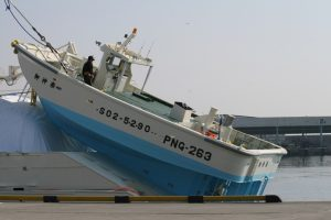 東日本大震災物資の運搬に役立った小型ボート